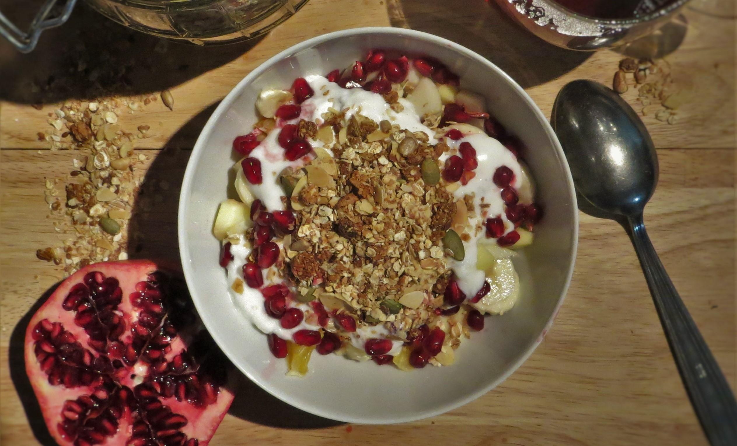 Geitenyoghurt met huisgemaakte granola