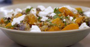 Warme salade met geroosterde pompoen en fetakaas