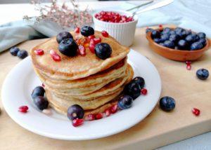 Luchtige pancakes met geitenyoghurt