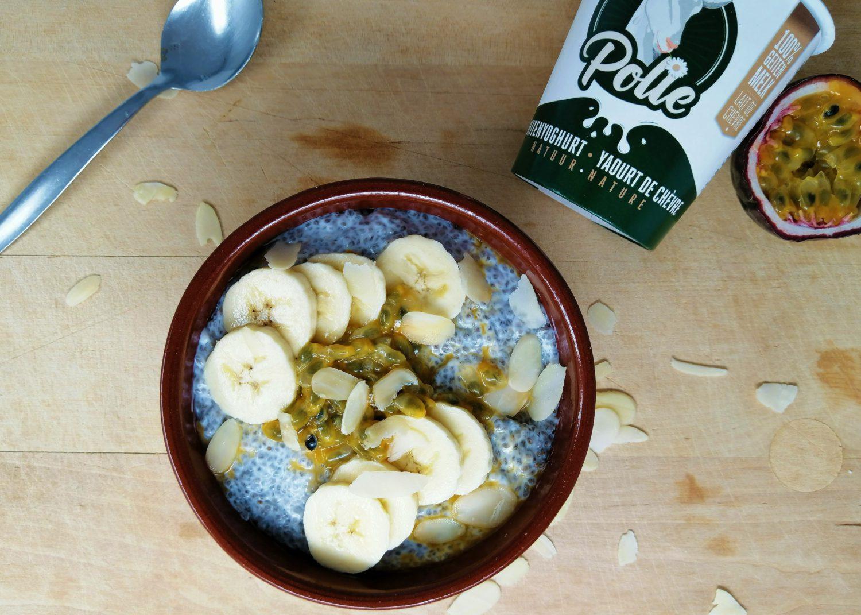 Polle's ontbijtpudding met chiazaad en geitenyoghurt