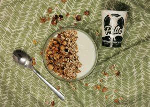 Homemade granola met geitenyoghurt van de Polle